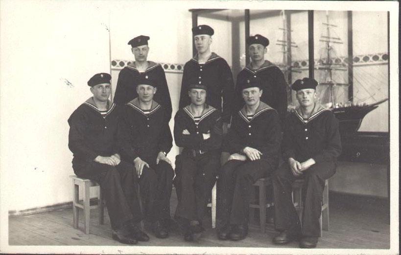 Latvian navy flight instructors